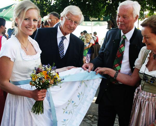 Dirndlschürze für Hochzeitskleid