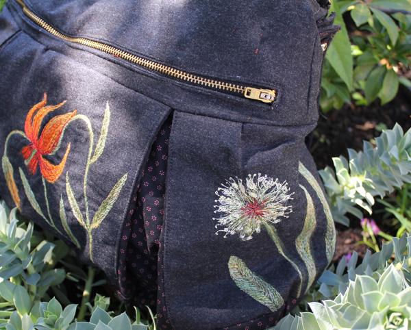 Große blumige Trachtentasche